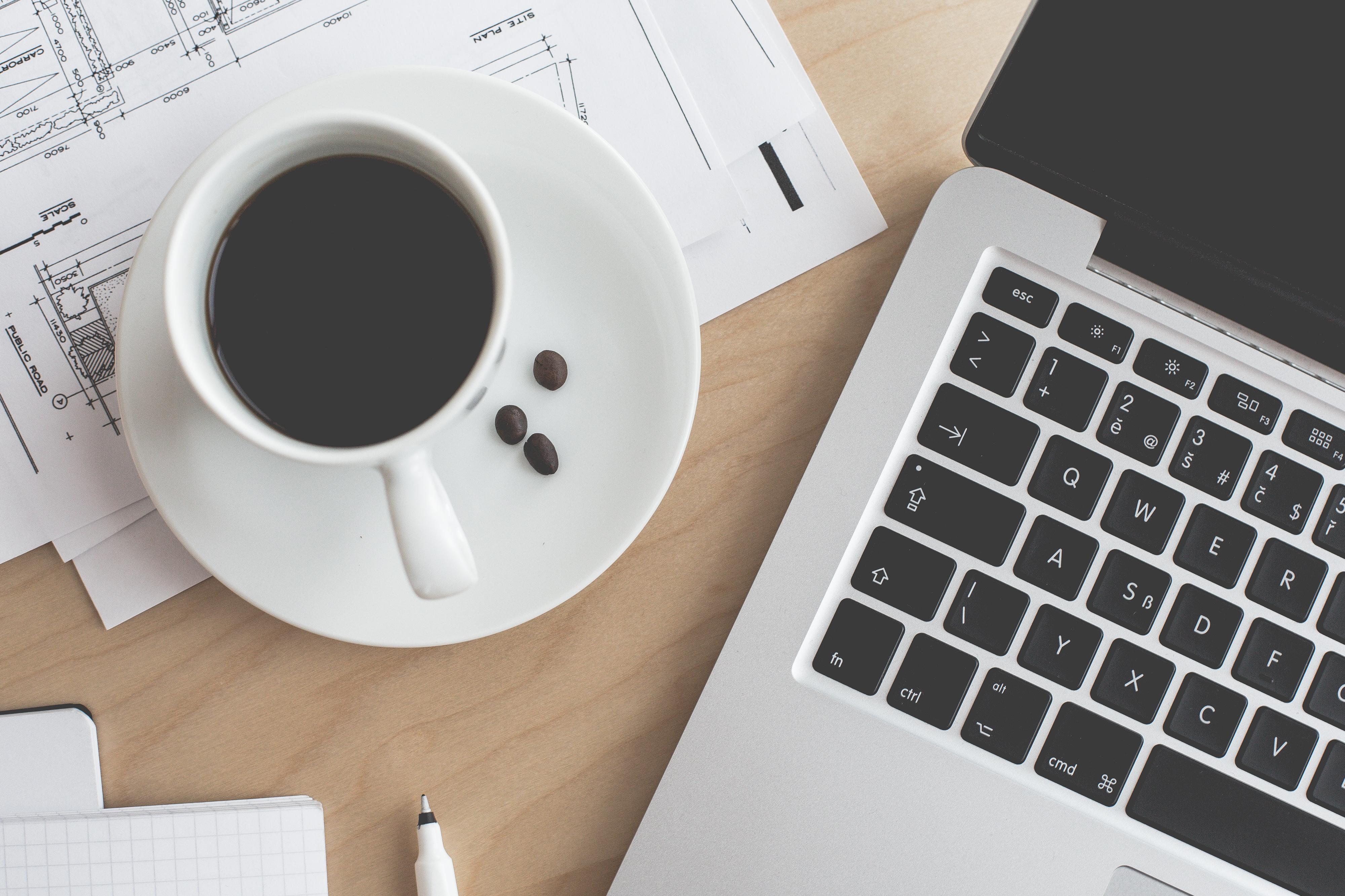 coffee-laptop-business-work-still-life-picjumbo-com