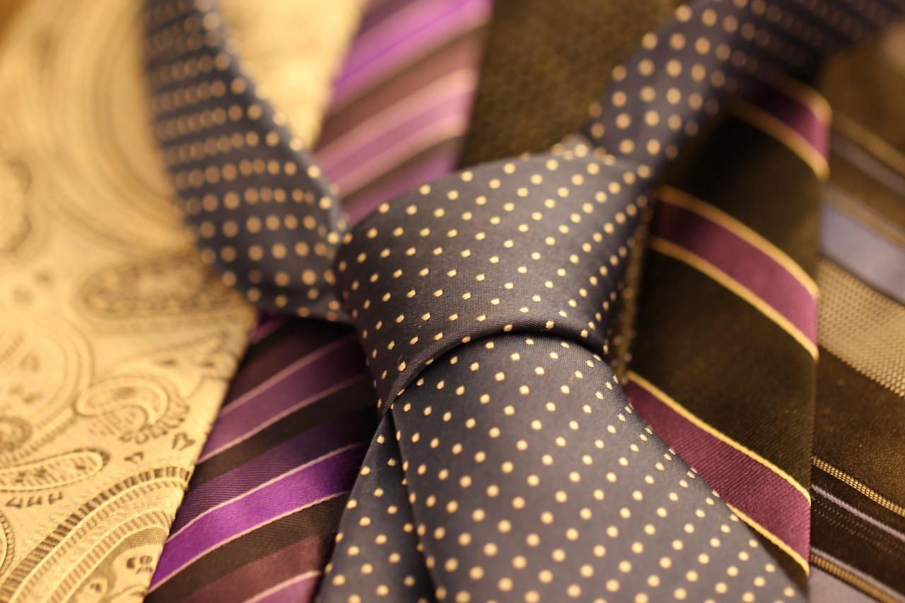 cravat-987584_1280