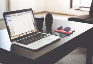 work-and-travel-hotel-room-office-picjumbo-com