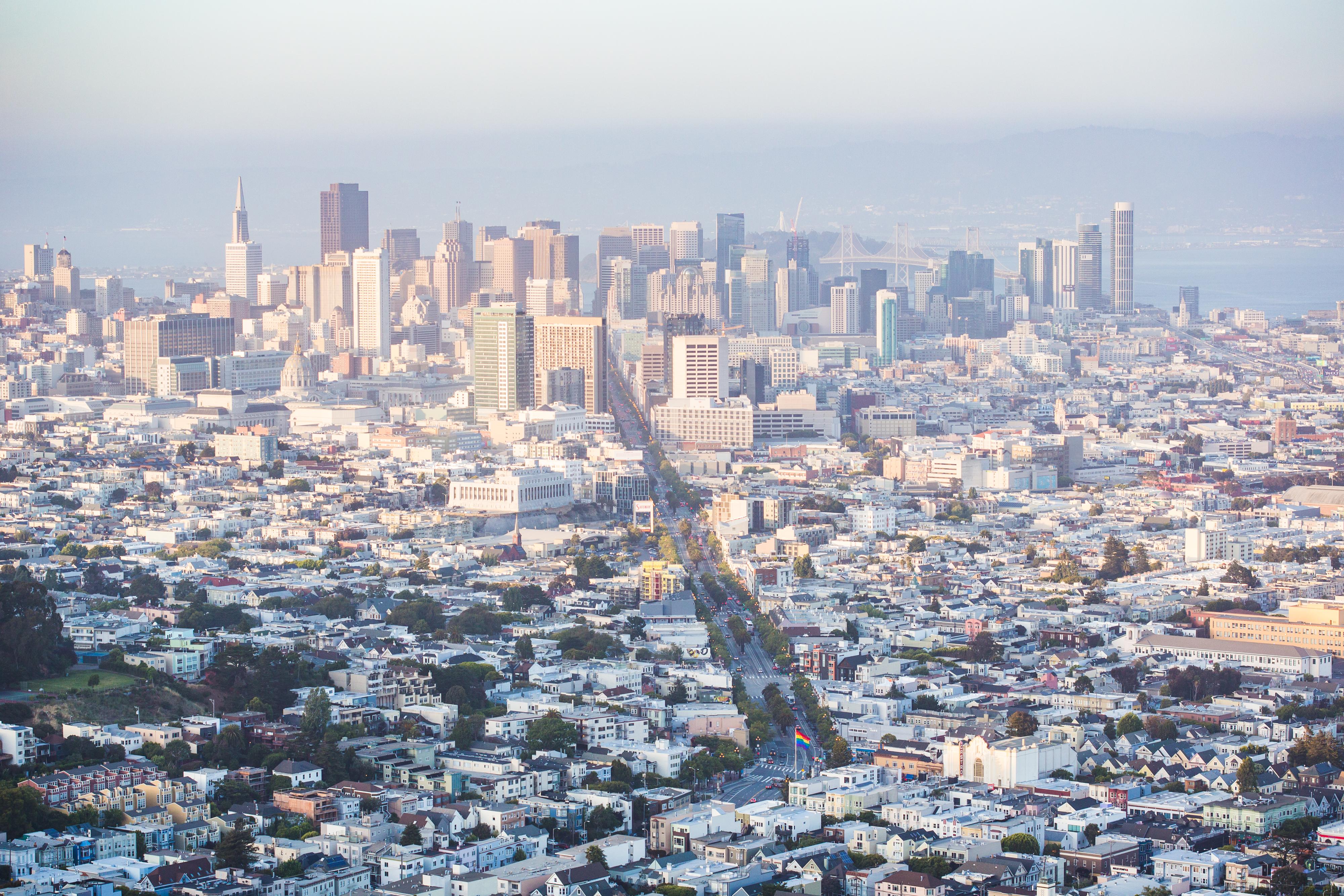 cityscape-view-of-financial-district-skyscrapers-in-san-francisco-california-picjumbo-com
