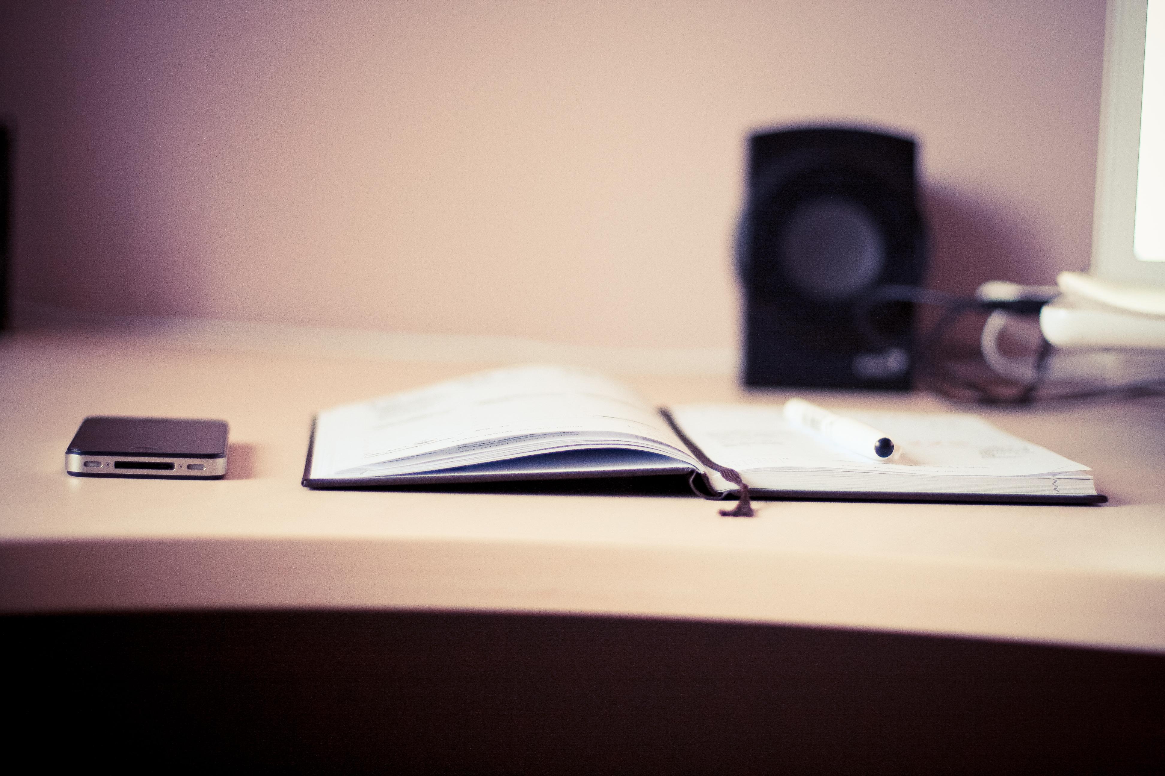 the-diary-with-black-iphone-picjumbo-com (1)
