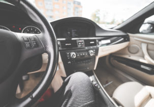 light-modern-car-interior-from-drivers-view-picjumbo-com (2)