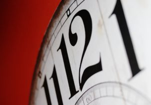 clock-2389384_1920