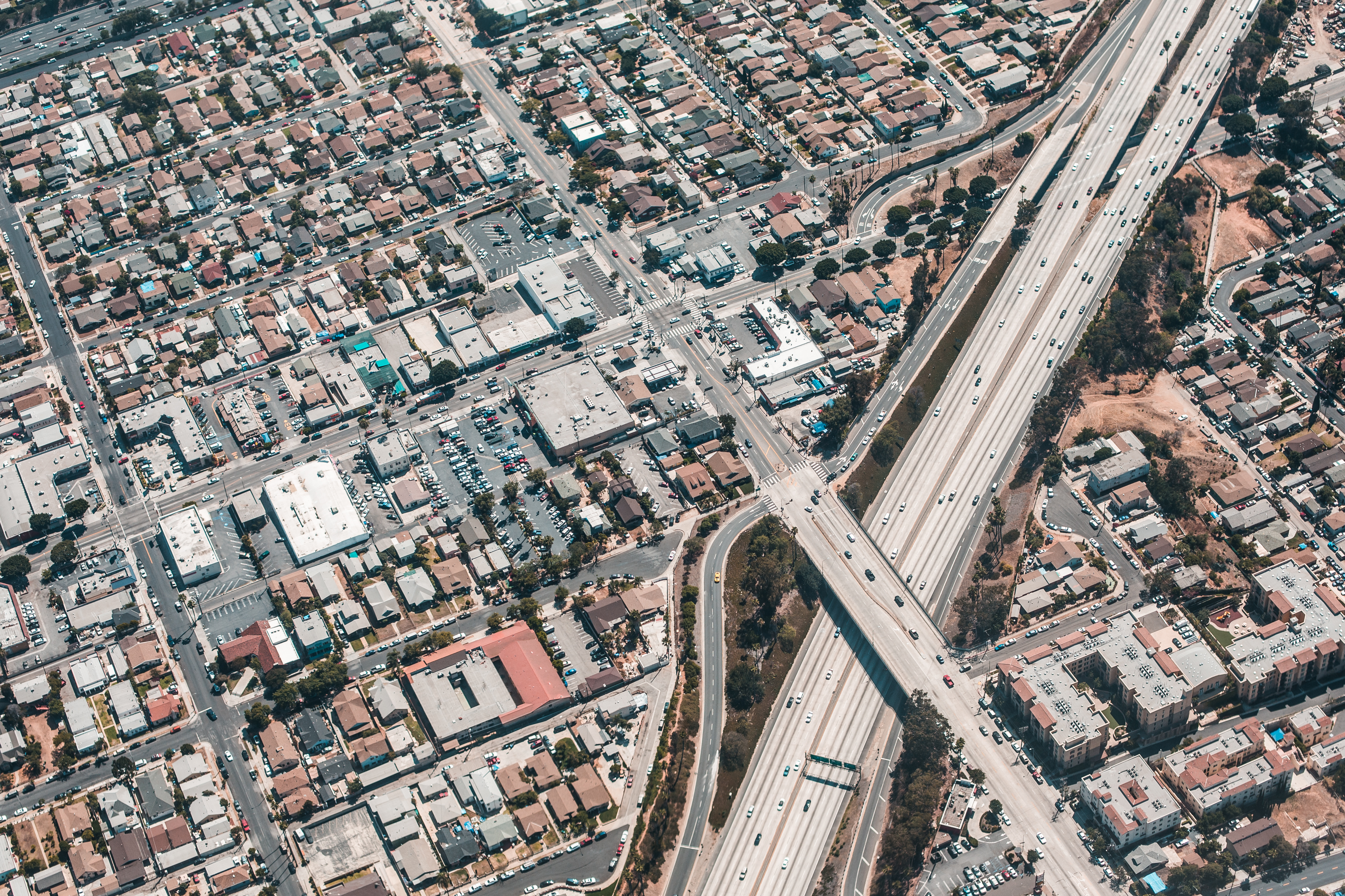 los-angeles-streets-from-above-aerial-shot-picjumbo-com